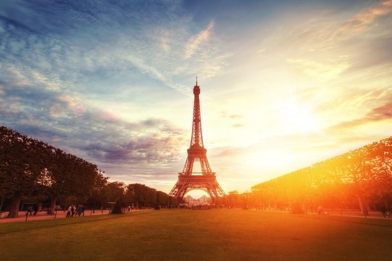 Frantseko ikastaro trinkoa profesionalentzat Parisen. Elduaien